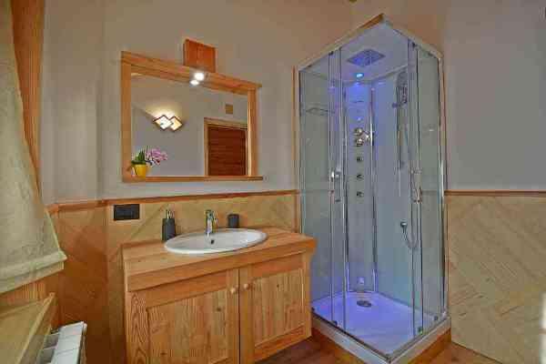Bed and breakfast chalet Il Picchio Varzo San Domenico bathrooms